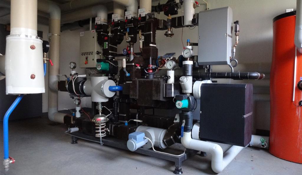 Fernwärmeübertragungsstation mit Warmwasseraufbereitung