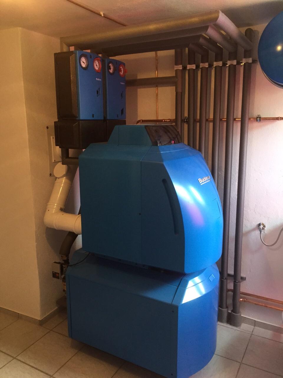 Ölbrennwertkessel kombiniert mit Trinkwasserspeicher