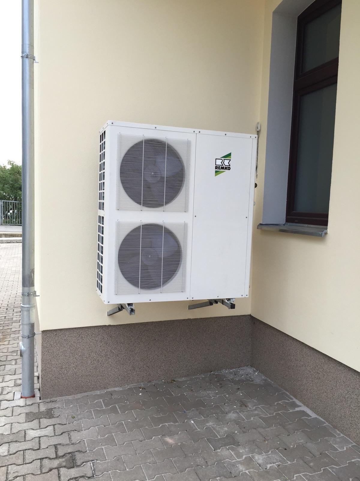 Außengerät Kaltwassersatz zur Kühlung eines Bürokomplexes