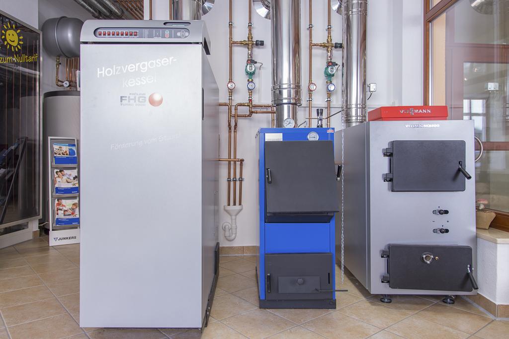 Holzvergaserkessel und Feststoffkessel