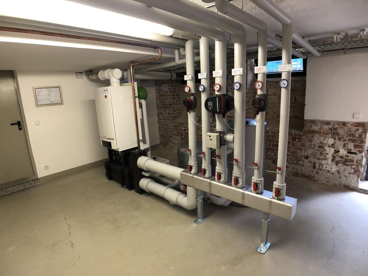Gasbrennwertgerät zur Versorgung eines Bürokomplexes