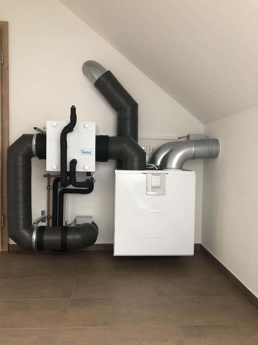 Kontrollierte Wohnraumlüftung mit intergrierter Kühlung
