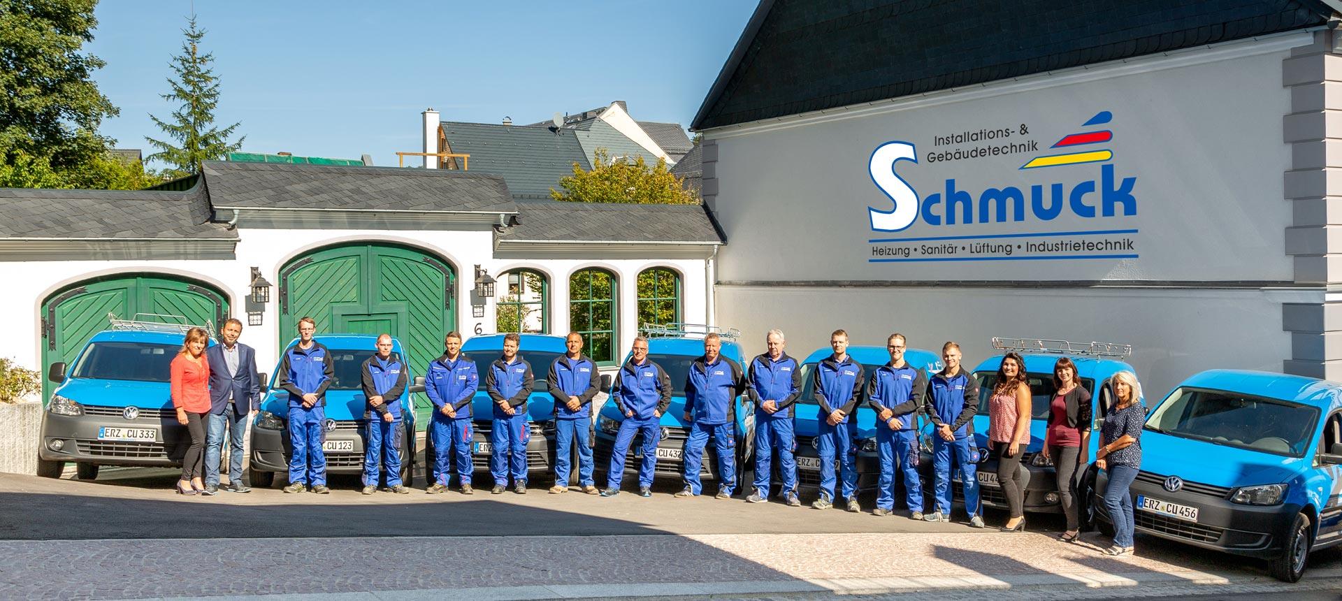 Unser Team mit unserem Fuhrpark
